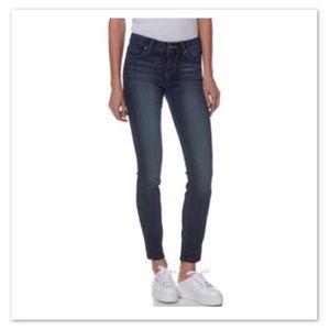 PAIGE Skinny Verdugo Ankle Jeans